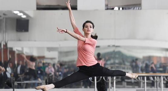 走进新疆艺术剧院歌舞团