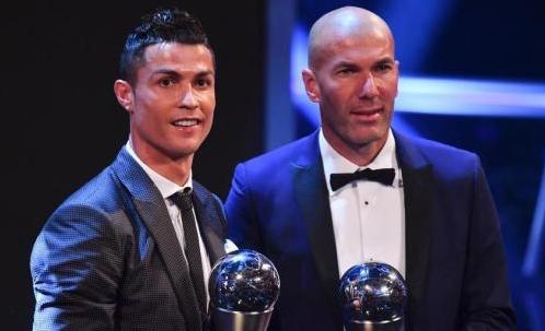 C罗蝉联足球先生 得票数多于梅西加内马尔总和-新闻中心