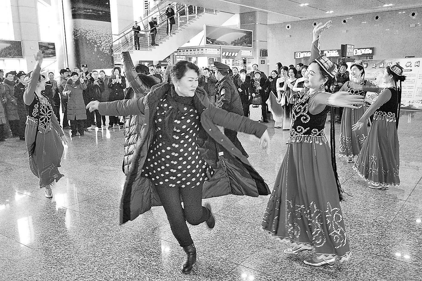 金沙大地国际娱乐:不畏严寒只为旅客平安返乡