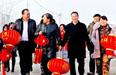 工作队携手各族群众喜迎新春佳节