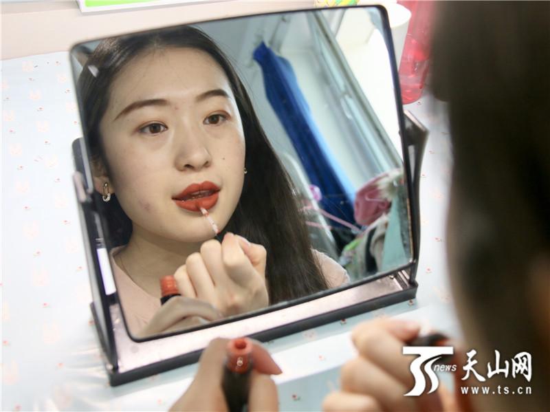 线上赌博平台:一周新疆新闻图片扫描(3.18――3.23)