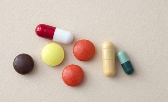 这六类药不能用热水送服
