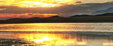 托里县:秋日里的沙孜湖柔美至极