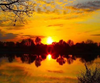 哈巴河县境内额尔齐斯河晚霞美如仙境