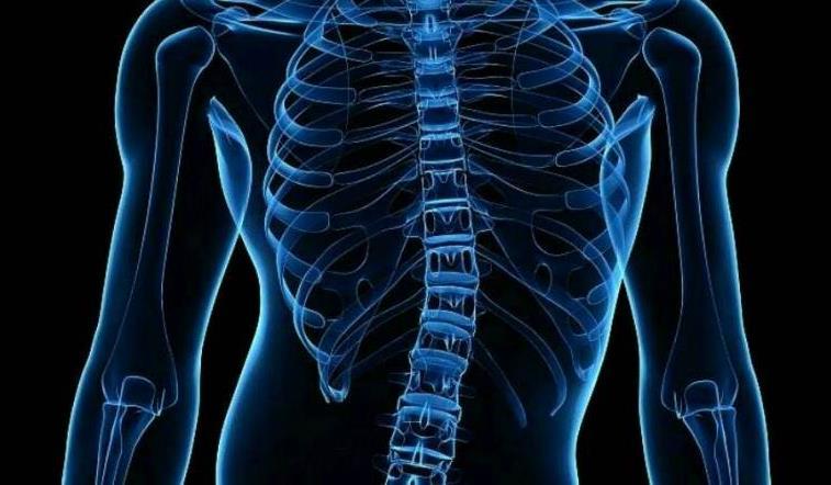 脊柱侧弯越早重视治疗越好