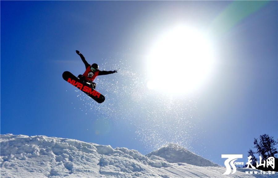 阿勒泰滑雪场吸引八方来客