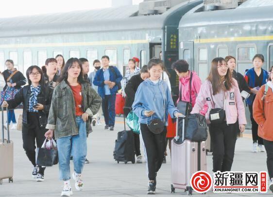 新疆铁路年内第六次调图,公交化列车开得更多跑得更快