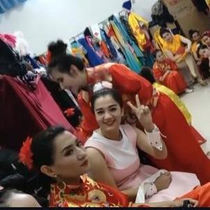 #新疆产美女 看我们文艺班的姑娘