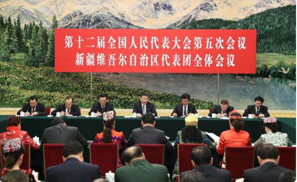 习近平参加新疆代表团审议