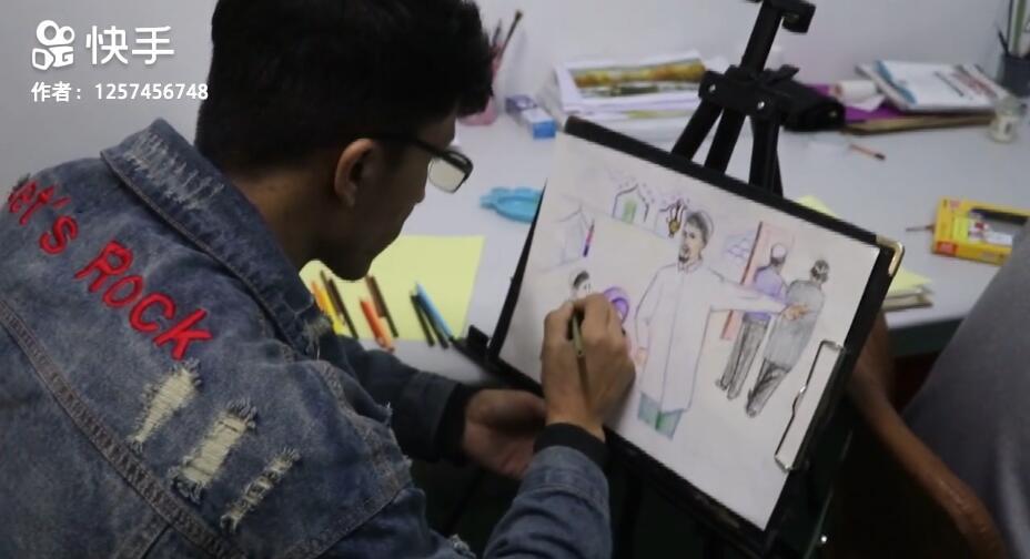看我们绘画班的学员