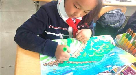 乌鲁木齐市第38小学千名儿童画家乡 为祖国和新疆打call
