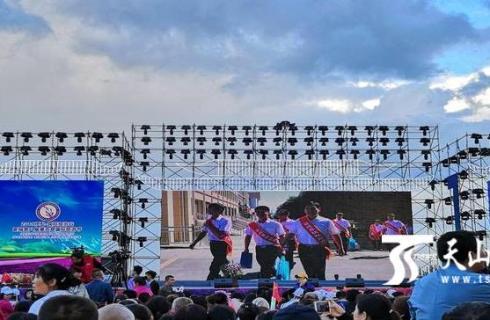 第八届薰衣草国际旅游节为霍城农商银行打call