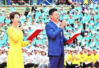 中国文联文艺志愿服务团走进克拉玛依