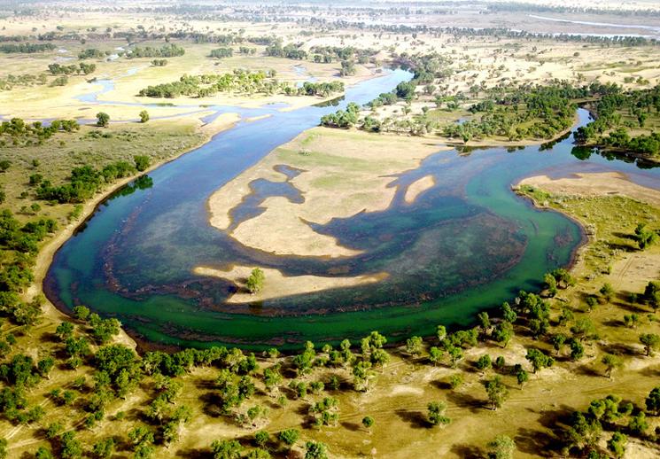 尉犁罗布淖尔国家级湿地公园景色壮美