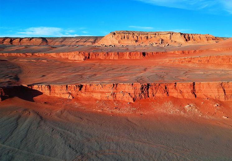 新疆托克逊县红层地貌壮美恢弘