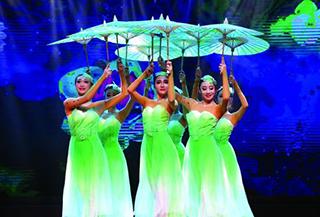 中国东方歌舞团走进可克达拉