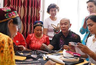 新疆汉子的刺绣情结