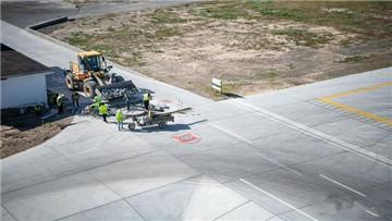 塔城机场改扩建收尾中,期间不停飞