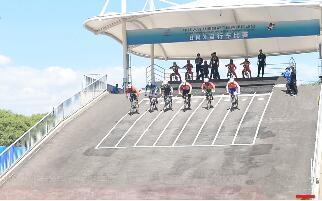 新疆BMX小轮车运动员在第二届全国青运会获一枚银牌