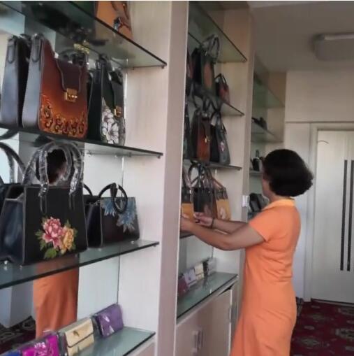 结业学员在喀什古城印象一条街就业