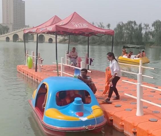 昆仑湖公园划船