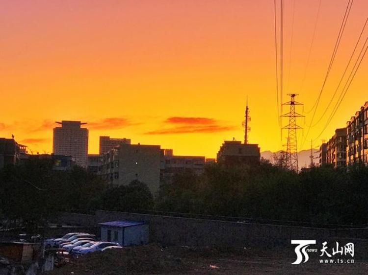 """清秋正式上线!降雨在新疆多地""""打卡"""""""