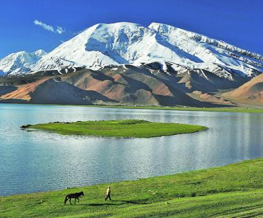 【新疆是個好地方】壯美的慕士塔格峰