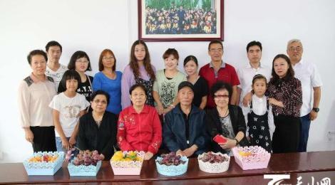 米东区:工作队开展教师节联谊活动