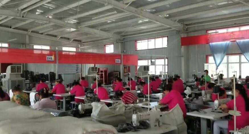 结业学员在村工厂稳定就业