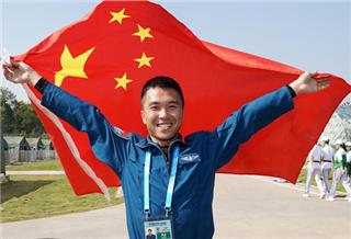 空军五项飞行比赛:中国队夺冠
