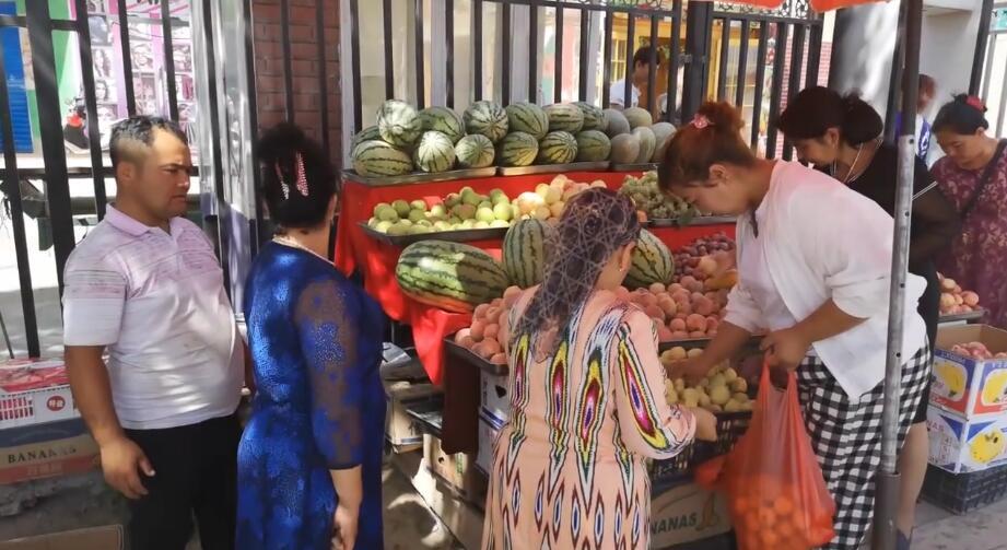 今天的水果卖的不错