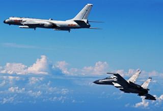"""空军""""模范轰炸机大队""""履行新时代使命任务记事"""