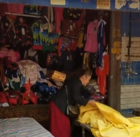 结业学员开了个儿童便利店