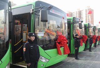 """阿克苏市200辆新能源公交车正式""""上岗"""""""