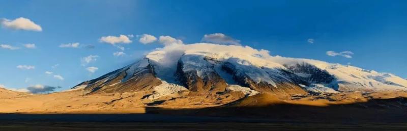 从传说中走来,在现实中生根,在新疆,这座山承载着厚重的历史与梦想