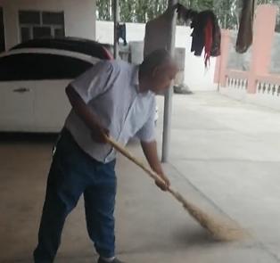 打扫一下院子