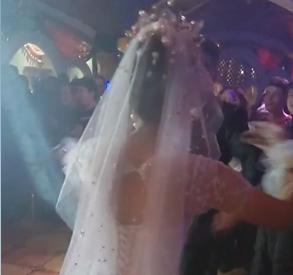 参加朋友的婚礼,好热闹啊