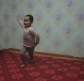 女儿跳舞跳得多棒