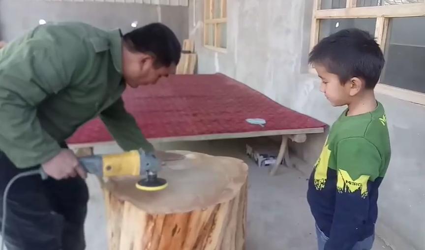 给儿子简单讲一下木雕