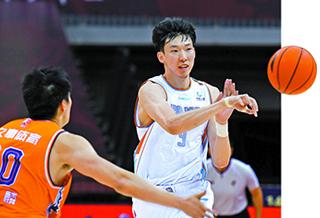 新疆男篮提前锁定季后赛名额