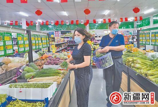 """【走向我们的小康生活】社区蔬菜直销点""""变身记"""""""