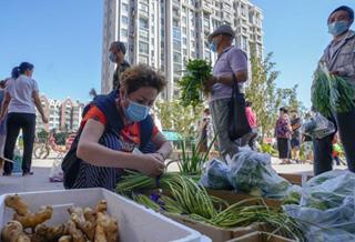 乌鲁木齐:保障生活物资正常供应