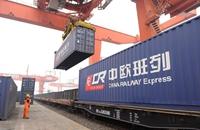 新疆铁路今年货运量过亿吨 比去年提前了35天
