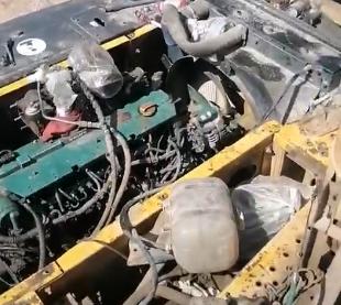 挖掘机的发动机不行了