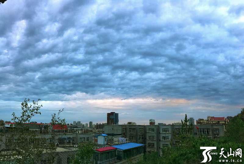 今日(9月2日)全疆大部晴好 两场冷空气即将光临 北疆多地气温下降明