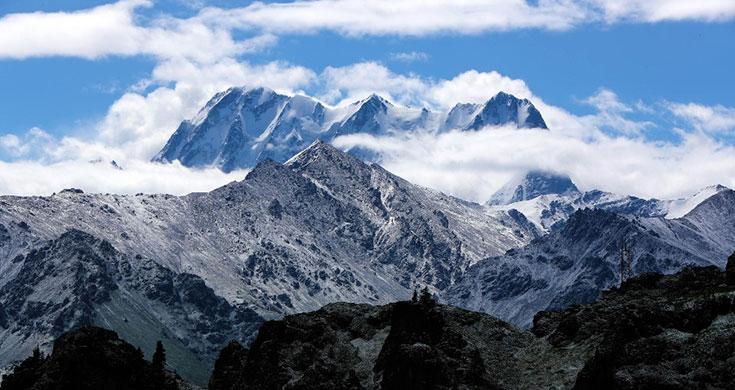 新疆天山天池:一池秋水 满山秀色