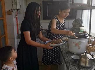 布买里亚木煮饺子