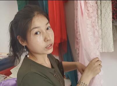 【明天更美好】热依汗古丽新进了一些适合做裙子的布料