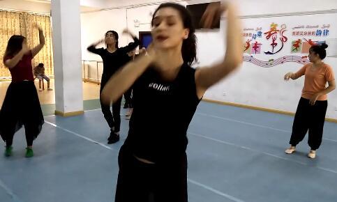 【明天更美好】舞者们正在练舞4