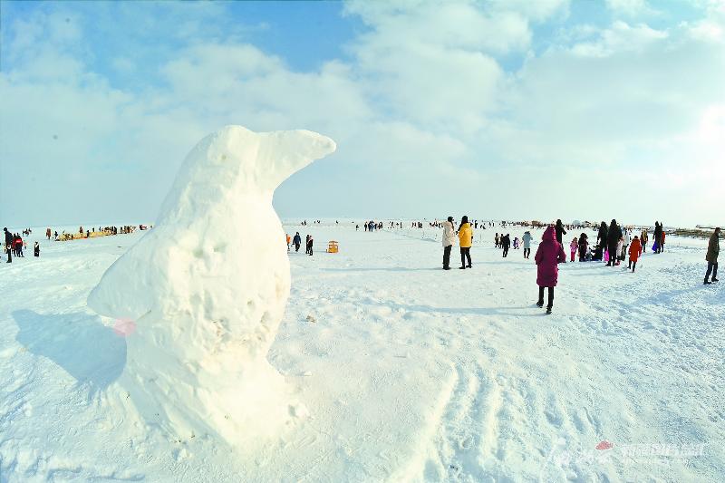 博斯腾湖大河口景区:冰上体验任